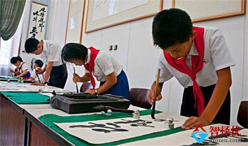 宿豫某社区免费为孩子开办青少年书画暑假兴趣班