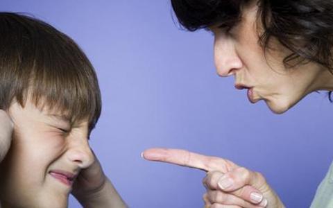 """父母的""""语言暴力""""不亚于对孩子的""""棍棒教育"""""""