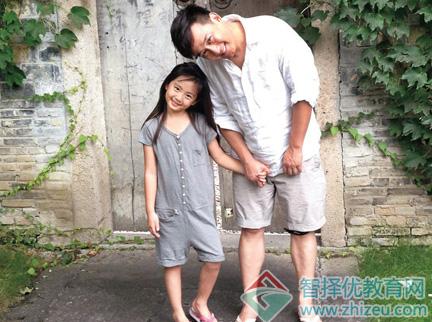 黄磊曝孩子15岁可以谈恋爱教育观 如何看高中生早恋?