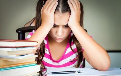 孩子厌学 压力大.jpg