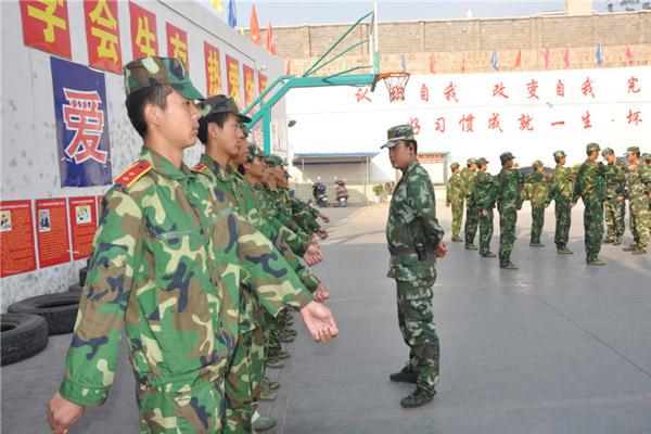 云南临沧全封闭军事化管理学校日常军事化训练.jpg